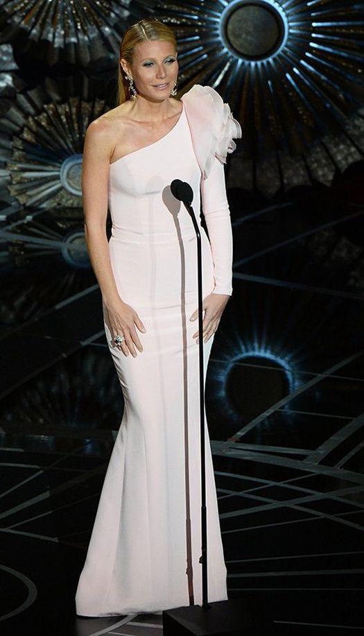 Gwyneth Paltrow - Ralph & Russo elbiseyi tercih etti. Oskar Ödül Töreni 2015