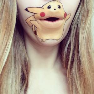 Dudağına Pokemon Çizen Kız