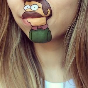 Dudağına Simpsons Çizen Kız