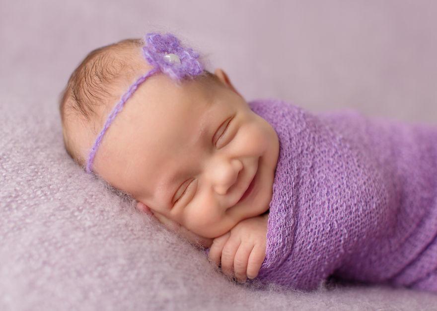 Gülümseyen Muhteşem Bebekler