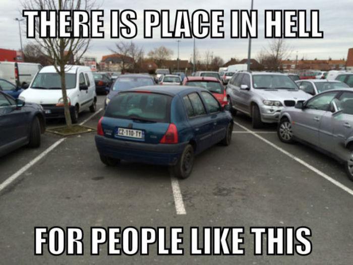 Yanlış park eden araç
