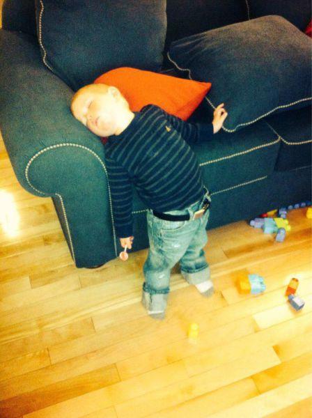 uyuya kalan çocuk