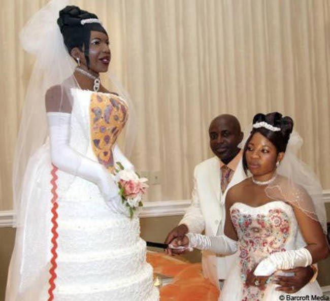 Kendi şeklinde düğün pastası