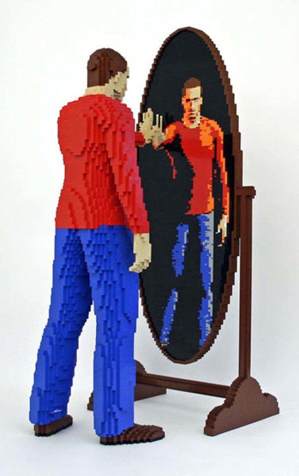 Lego'dan Nathan Sawaya nın ayna da yansıması