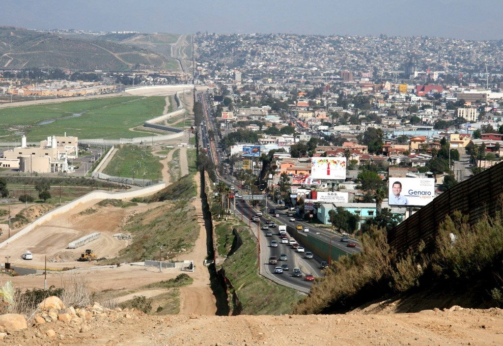 Amerika ve Mexika arasındaki sınır