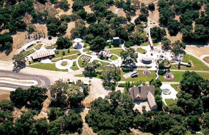 Michael Jackson Neverland Malikanesi Tepeden Görünümü
