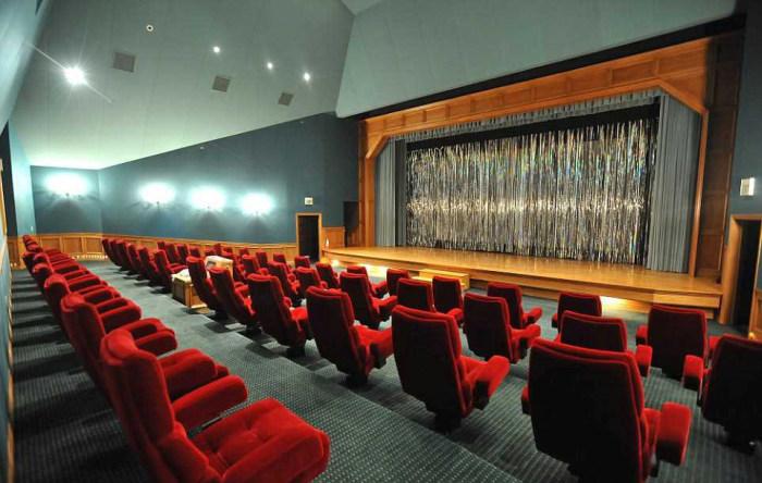 Michael Jackson Neverland Malikanesi Sinema Salonu