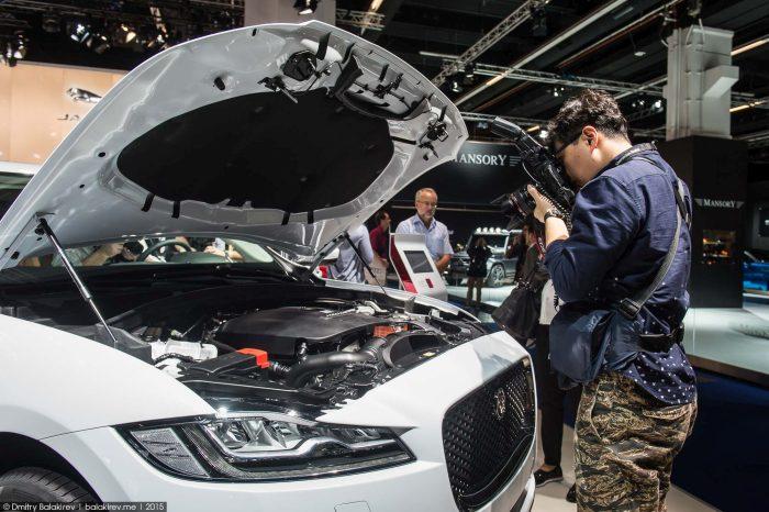 Otomobil Fuarına Giden Çinlilerin Halleri