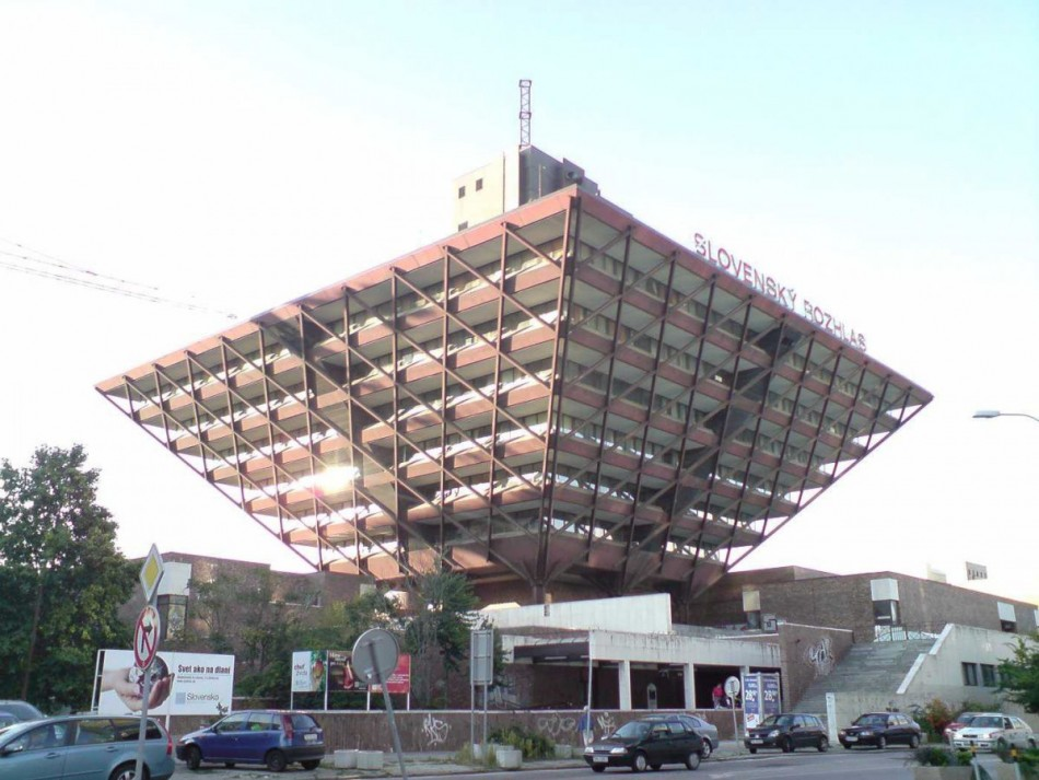Radyo servisi, Bratislava, Slovakya bina.