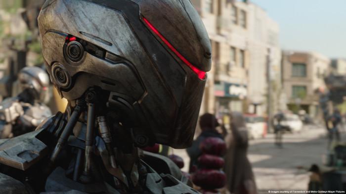 Özel Efektler Olmadan Robocop Filmi Çekimleri - Kamera Arkası