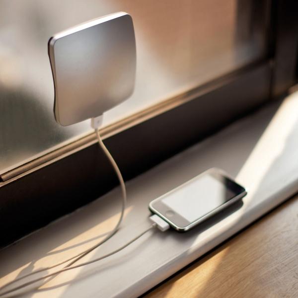 Güneş Enerjisi İle Telefon Şarjı