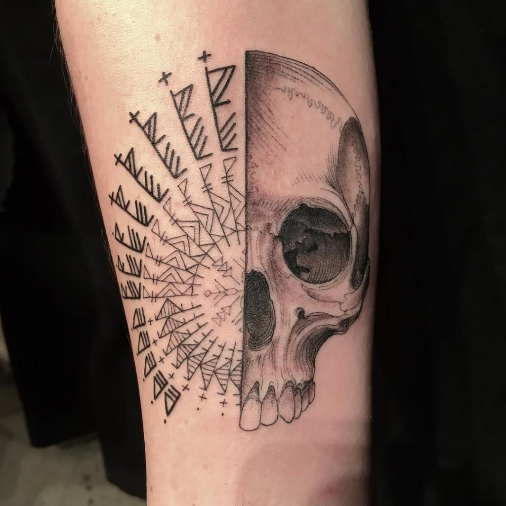 Şansına Ne Çıkarsa Dövme Çalışması Scott Campbell