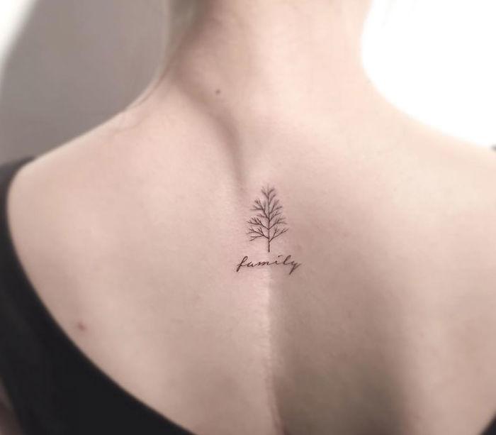 Enseye Ağaç Şeklinde Dövme