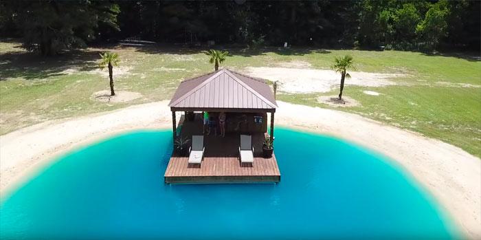evinin bahçesine maldiv havuzu otel usa