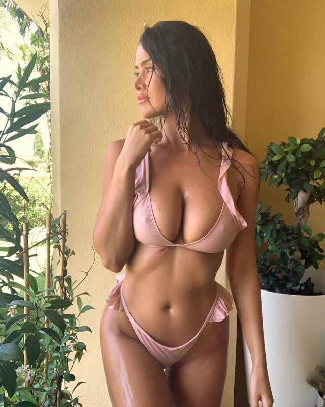 Eva Padlock Mayolu ve Seksi