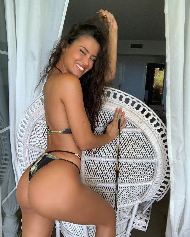 Eva Padlock Seksi Mayolu
